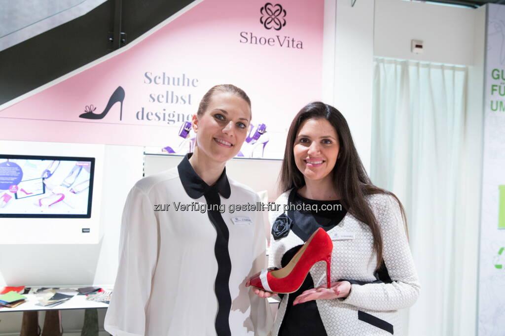 Katherina Engelhard und Gabriele Sosnizkij (ShoeVita-Gründerinnen) : Langfristige Kooperation von Vögele Shoes und ShoeVita in der Schweiz : Fotocredit: ShoeVita/Debora Zeyrek / www.diamondphoto.ch, © Aussendung (11.04.2016)