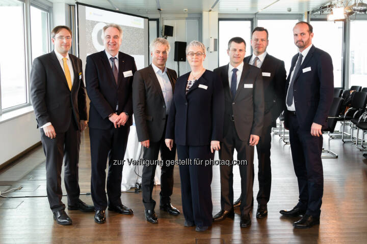 "Jiří Hlaváč, Karl Rose, Ingmar Höbarth, Karin Fuhrmann, Horst Dulle, Wojciech Sztuba,  Bernd Rajal (Vortragende Energy Tomorrow 2016) : TPA Horwath veranstaltete zum fünften Mal ""Energy Tomorrow"" : Fotocredit: TPA Horwath/Madzigon"