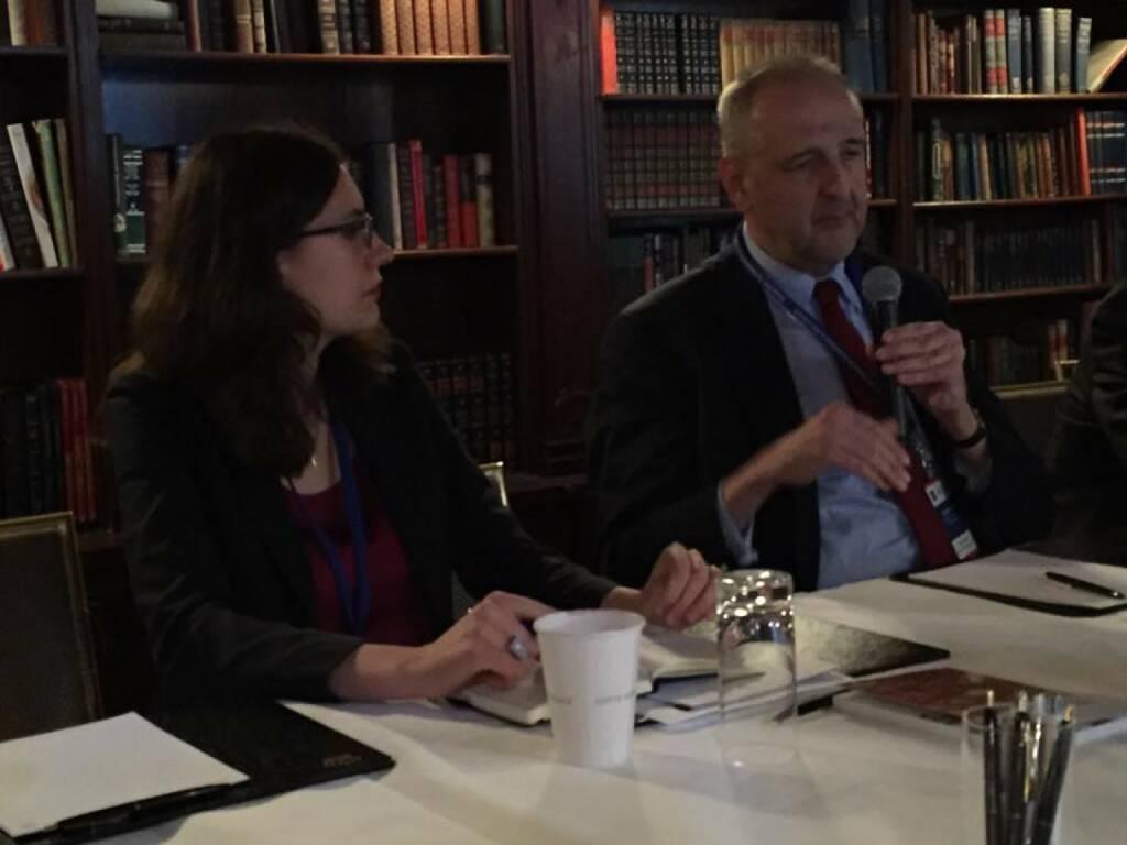 Polya Lesova (Wall Street Journal), Lucio Vinhas de Souza (Juncker-Thinktank) beim 21st Austria Event in NYC (Bild: Verena Nowotny) (14.04.2016)