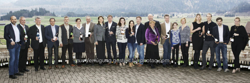 "Familie Angelika und Franz Dengg mit Markus Saletz & Winzerfreunden : Dritter Hotel Post Lermoos Frühlings-Weinevent : ""Familie Dengg, Markus Saletz & Friends"" : Fotocredit: Oberhauser Consulting, © Aussender (14.04.2016)"