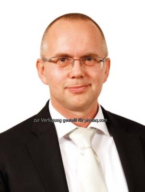 Sberbank Europe AG beruft Christian Kubitschek als CFO in den Vorstand: Er wurde per 9. April 2013 zum CFO bei Sberbank Europe AG ernannt. Zuletzt war er als Global Head of Value Based Management bei der Deutschen Bank in Frankfurt und London tätig (c) Aussendung (11.04.2013)