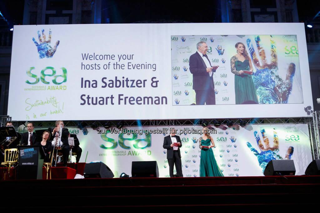 Moderatoren Ina Sabitzer und Stuart Freeman - http://www.se-award.org, © se-award (12.04.2013)