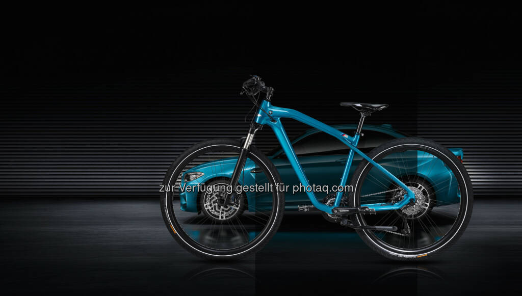 BMW Cruise M Bike Limited Edition : Motorsport-Feeling mit dem Fahrrad : Die BMW Cruise M Bike Limited Edition, eine Hommage an neues BMW M2 Coupé : ©BMW Group, © Aussendung (19.04.2016)