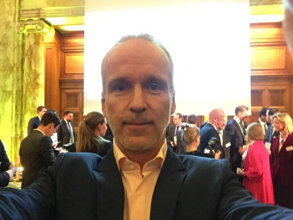 Christian Drastil Selfie, boerse-social.ocm (22.04.2016)