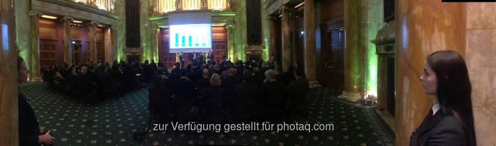 Zertifikate Award Austria 2016 im Oktogon , 34 Selfies von Teilnehmern unter http://www.photaq.com/page/index/2469