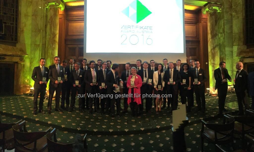 Zertifikate Award Austria Siegerbild 2016, 34 Selfies von Teilnehmern unter http://www.photaq.com/page/index/2469, © Aussendung (22.04.2016)