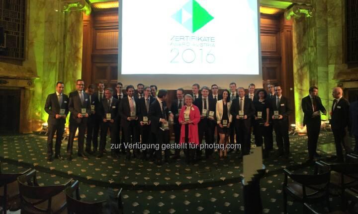 Zertifikate Award Austria Siegerbild 2016, 34 Selfies von Teilnehmern unter http://www.photaq.com/page/index/2469