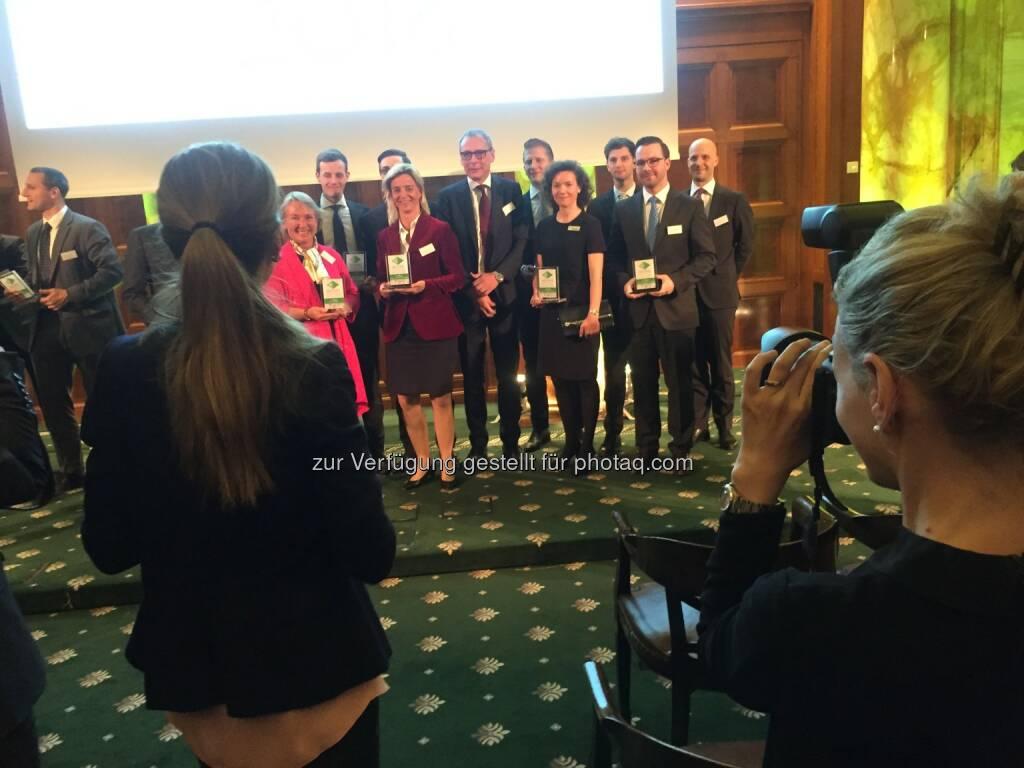 Smile Team RCB, Abonnementsieger beim Zertifikate Award Austria, 34 Selfies von Teilnehmern unter http://www.photaq.com/page/index/2469, © Aussendung (22.04.2016)