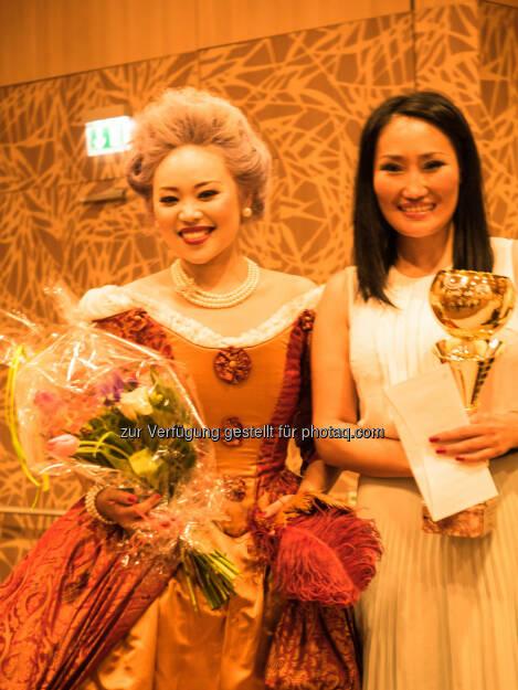 Bayanzul Berisha (Visagistin), Organ Prawang (Opernsängerin) : Visagistin aus der Mongolei siegte bei der 7.Wiener Make-up Meisterschaft in der Kategorie Barock - Rokoko : Fotocredit: Bayanzul Berisha, © Aussendung (27.04.2016)
