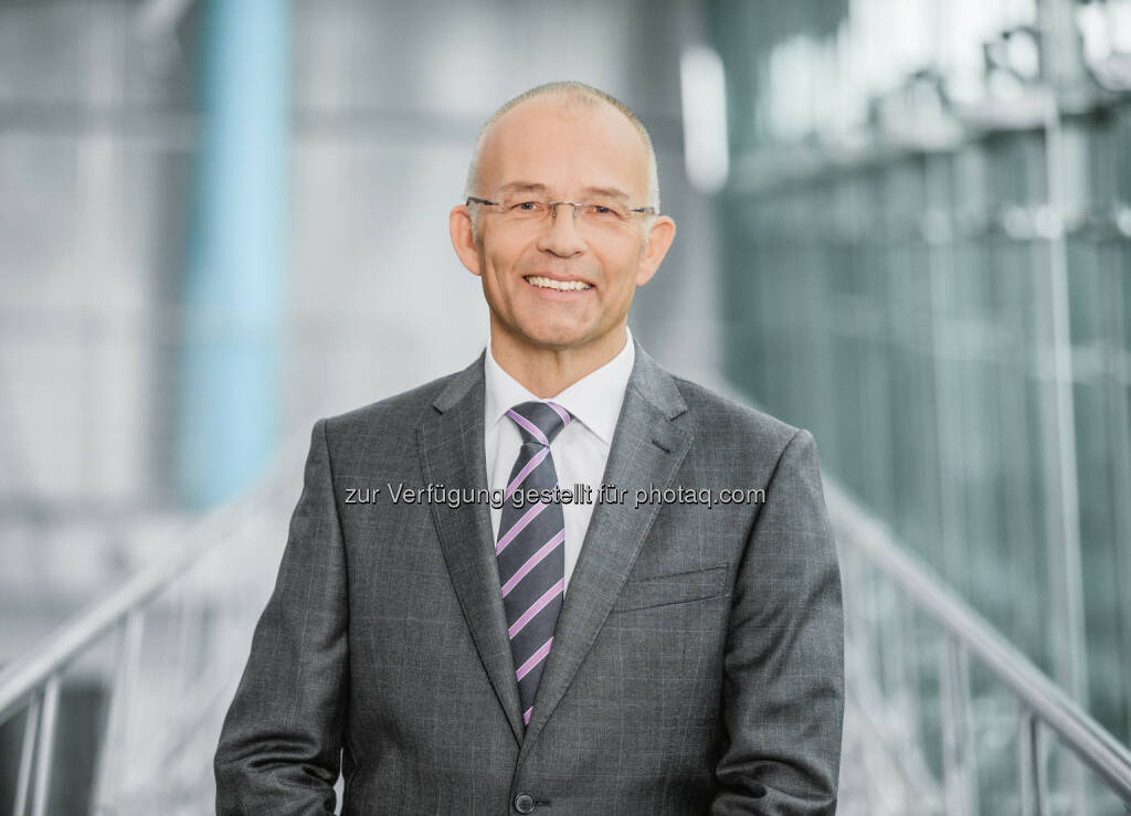 Claus Jessen (Vorstandsvorsitzender Festo AG) : Festo treibt den Wandel in Automation und Didactic voran : Fotocredit : Festo AG, © Aussender (27.04.2016)