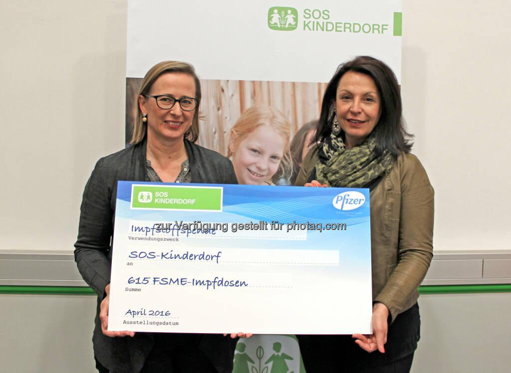 Barbara Osinger (SOS-Kinderdorf), Renée Gallo-Daniel (Pfizer Corporation Austria) : Pfizer und SOS-Kinderdorf: Partnerschaft für mehr Kindergesundheit : Fotocredit: SOS-Kinderdorf, © Aussendung (29.04.2016)