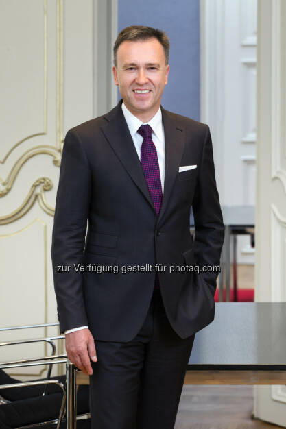 Christian Jauk, Vorstandsvorsitzender der Bank Burgenland : Konzernergebnis 2015 auf Rekordniveau : Fotocredit: Bank Burgenland/Helmreich fotografiert / Evi Huber, © Aussender (29.04.2016)