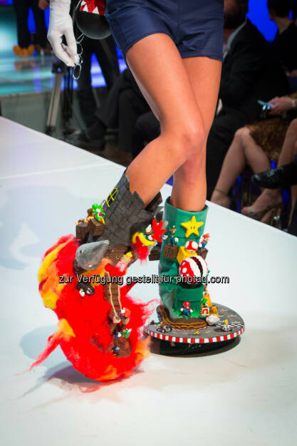 Jennifer Cavanaugh, It's me Mario : Award for the Crazy Shoe 2016 Vienna im Studio 44 an Jennifer Cavanaugh aus Gmünd, Niederösterreich : Fotocredit: www.fotoweinwurm.at, © Aussendung (29.04.2016)