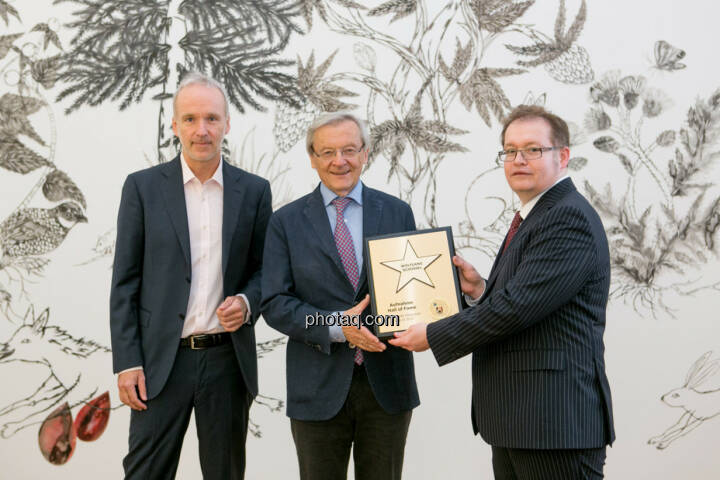 Christian Drastil (BSN), Wolfgang Schüssel, Gregor Rosinger (Rosinger Group) Wolfgang Schüssel wird in die Hall of Fame (Class of 2016) des Wiener Kapitalmarkts aufgenommen  http://boerse-social.com/hall-of-fame