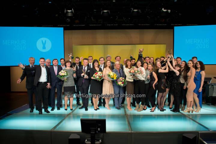 Verleihung Merkur Awards 2016 : Vergabe an herausragende Schulprojekte und Persönlichkeiten : Fotocredit: Fonds der Wiener Kaufmannschaft/APA-Fotoservice/Hörmandinger