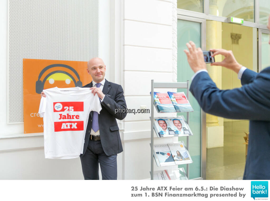 Paul Schiefer (Euram Bank) für Shirts: http://www.photaq.com/page/index/2512 , © Martina Draper/photaq (07.05.2016)