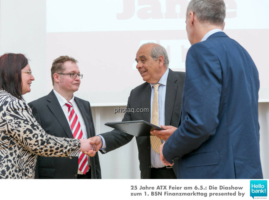Franz Kubik wird in die Hall of Fame (Class of 2016) des Wiener Kapitalmarkts aufgenommen: Yvette Rosinger, Gregor Rosinger, Franz Kubik, Christian Drastil http://boerse-social.com/hall-of-fame , © Martina Draper/photaq (07.05.2016)
