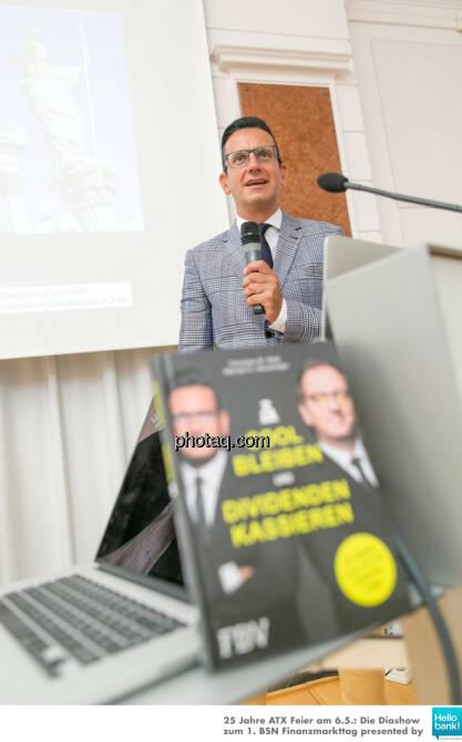 Christian Röhl stellt http://www.photaq.com/page/index/2505 presented by 3Banken Generali KAG vor, © Martina Draper/photaq (07.05.2016)