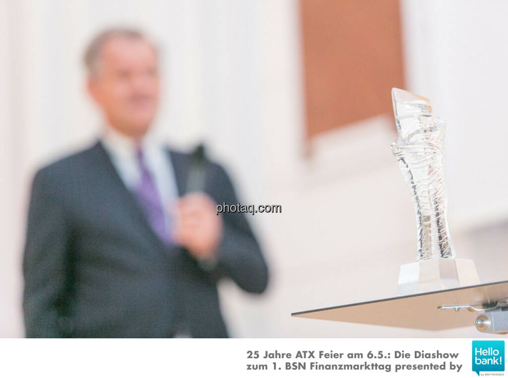 Pokal, © Martina Draper/photaq (07.05.2016)