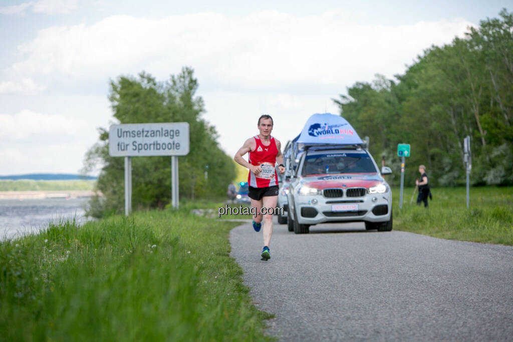 Wings for Life Worldrun KM 47, © Martina Draper/photaq (08.05.2016)