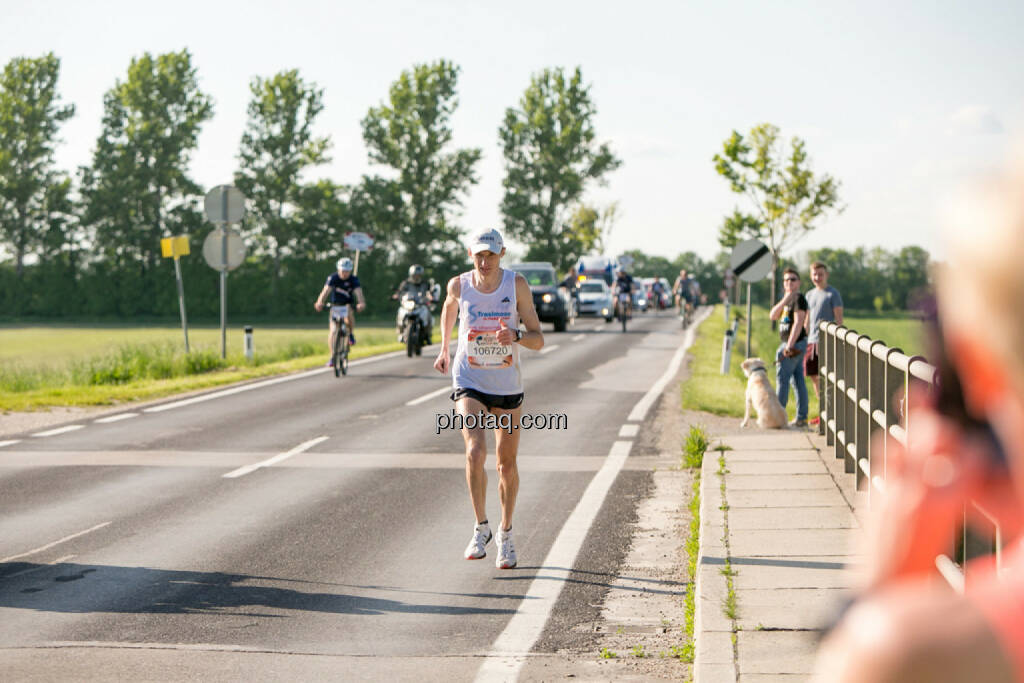 Evgenii Glyva, Sieger Österreich Wings for Life Worldrun 2016, © Martina Draper/photaq (08.05.2016)