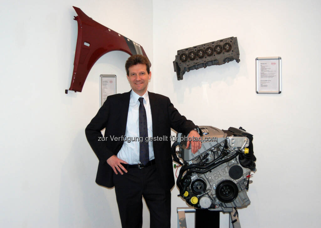 Michael Konhäusner, Head of Marketing EE and VRM Steering Unit EE Adhesive Technologies Henkel CEE : Neues Online-Portal von Loctite und Teroson : Fotocredit: Henkel, © Aussender (09.05.2016)