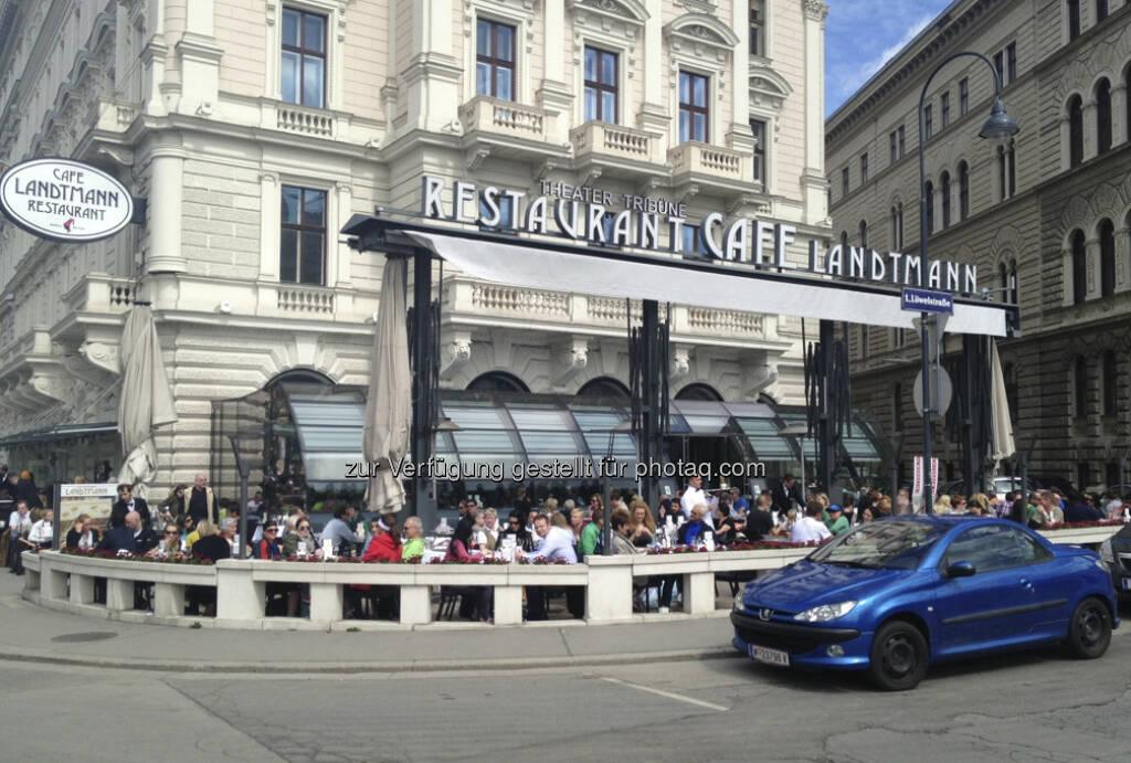 Vienna City Marathon 2013: Zuschauer beim Landtmann (14.04.2013)