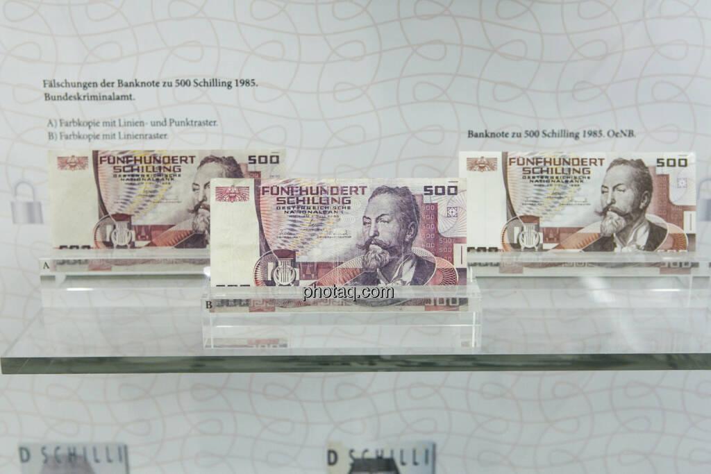 500-Schilling-Note, Otto Wagner, aus dem Jahr 1985, Fälschungen und Original, © finanzmarktfoto.at/Martina Draper (15.04.2013)