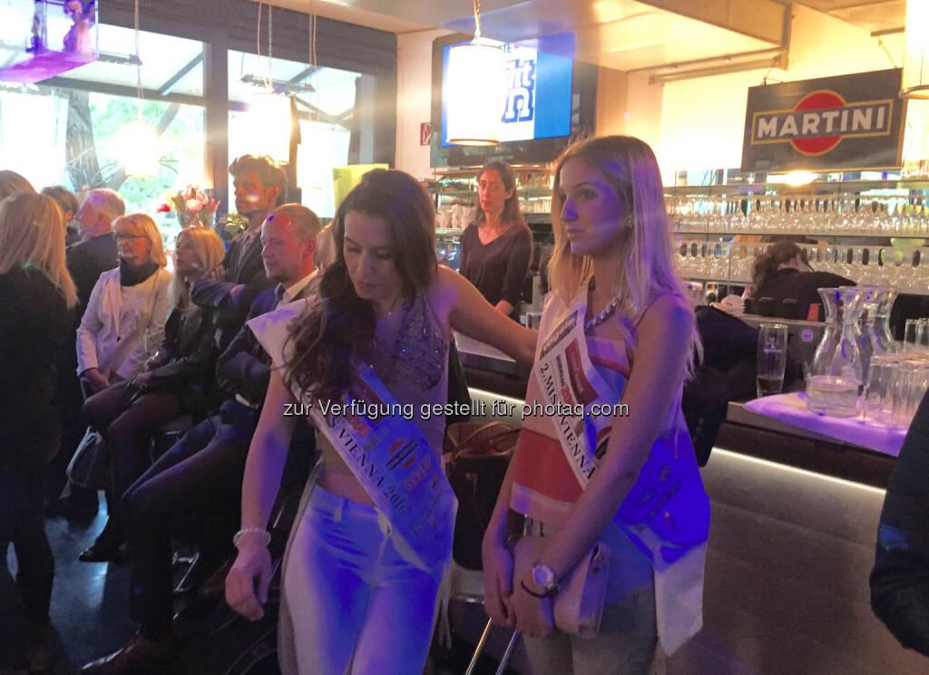 Miss Vienna 2016 Kimberly Budinsky und Vize-Miss Ana Cruz (11.05.2016)