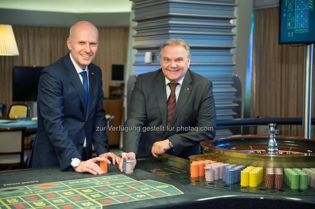 Martin Hainberger, Josef Kneifl : Casino Linz unter neuer Führung : Martin Hainberger wird ab 1. Juli Nachfolger von Josef Kneifl, der nach 43 Jahren in Pension geht : Fotocredit: © Casinos Austria, © Aussendung (20.05.2016)