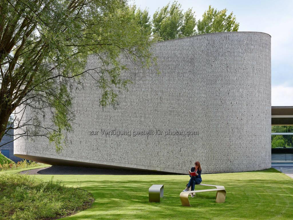 Auditorium AZ Kortrijk, Belgium by Dehullu Architecten (Bild: Dennis De Smet) (22.05.2016)