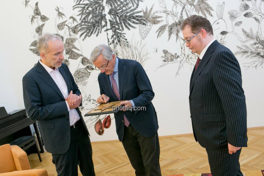 Christian Drastil (BSN), Wolfgang Schüssel, Gregor Rosinger (Rosinger Group), © Martina Draper/photaq (24.05.2016)