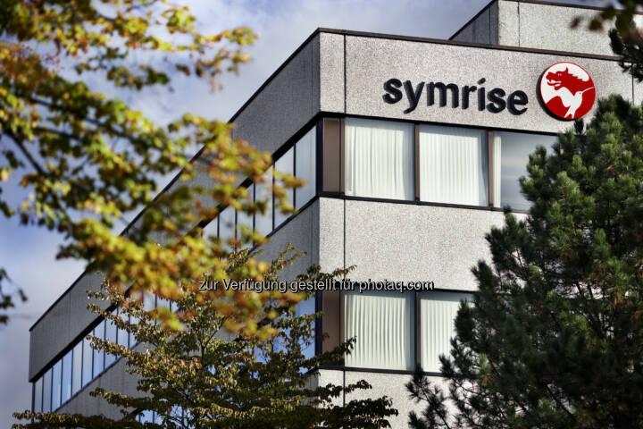 Symrise Aussenansicht (Bild: Symrise, https://www.symrise.com/de/newsroom/pressebilder/unternehmen/ )