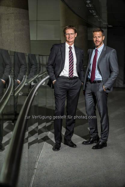 Harald Trautsch (GF Dolphin), Andreas Kößl (Manager Uniqa) : Uniqa Österreich erweitert Kfz-Tarif SafeLine : Fotocredit: Uniqa, © Aussender (02.06.2016)