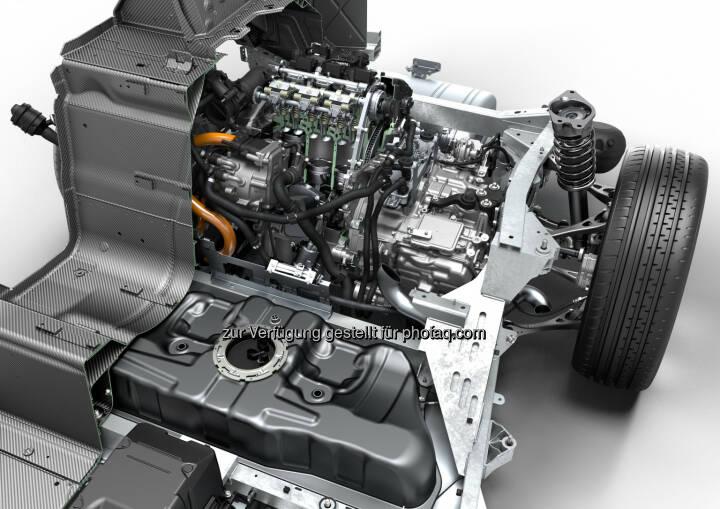 """BMW i8, Technical Art : BMW i8 gewinnt """"Engine of the Year Award 2016"""" : Fotocredit: © BMW Group"""