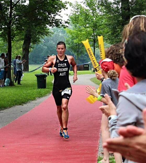 Tanja Stroschneider Triathlon Tulln, © Tanja Stroschneider (05.06.2016)