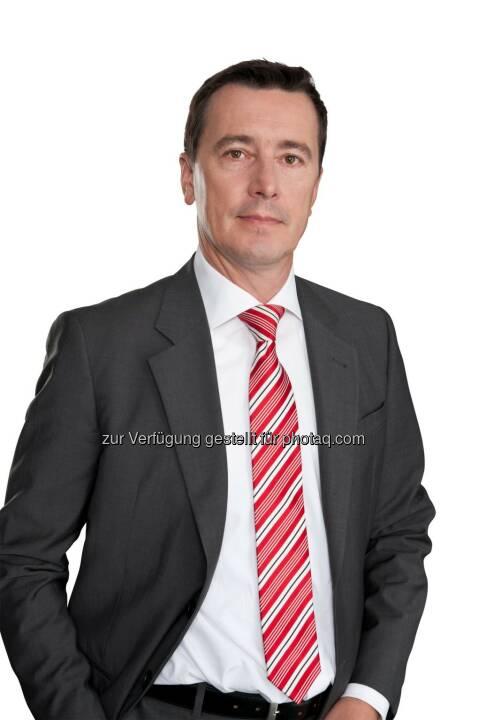 Roland Schöbel, Partner Financial Services Consulting bei PwC Österreich : PwC Studie: Neue Technologiefaktoren verändern Finanzdienstleistungen : Fotocredit: PwC/oresteschaller.com