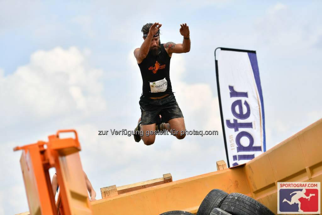 X-Cross Run, Jump, springen, Sprung, © Sportograf (06.06.2016)
