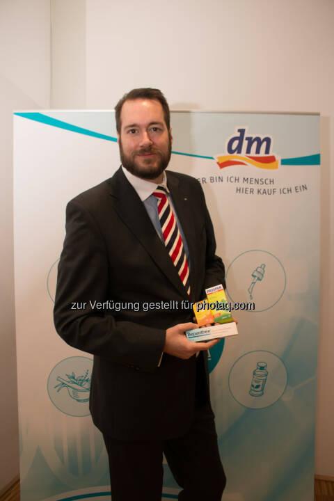 Harald Bauer (GF dm) : VfGH startet Sommer-Session: Nächster Schritt für rezeptfreie Arzneimittel in der Drogerie : Fotocredit: dm/Spychala