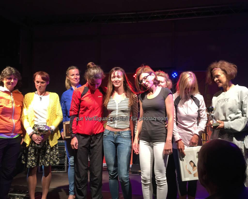 Beste Damen mit Manuela Antosch (Mitte), © Andreas Schweighofer (10.06.2016)