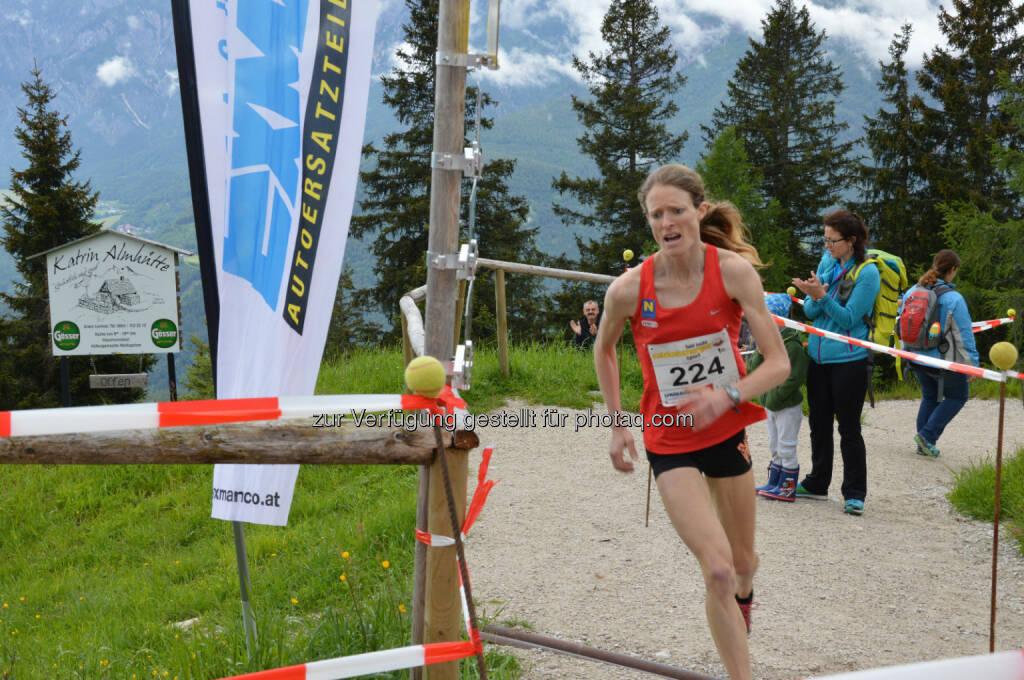 Andrea Mayr gewinnt mit Streckenrekord den diesjährigen Katrin Berglauf : Fotocredit: Balas, © Aussendung (13.06.2016)