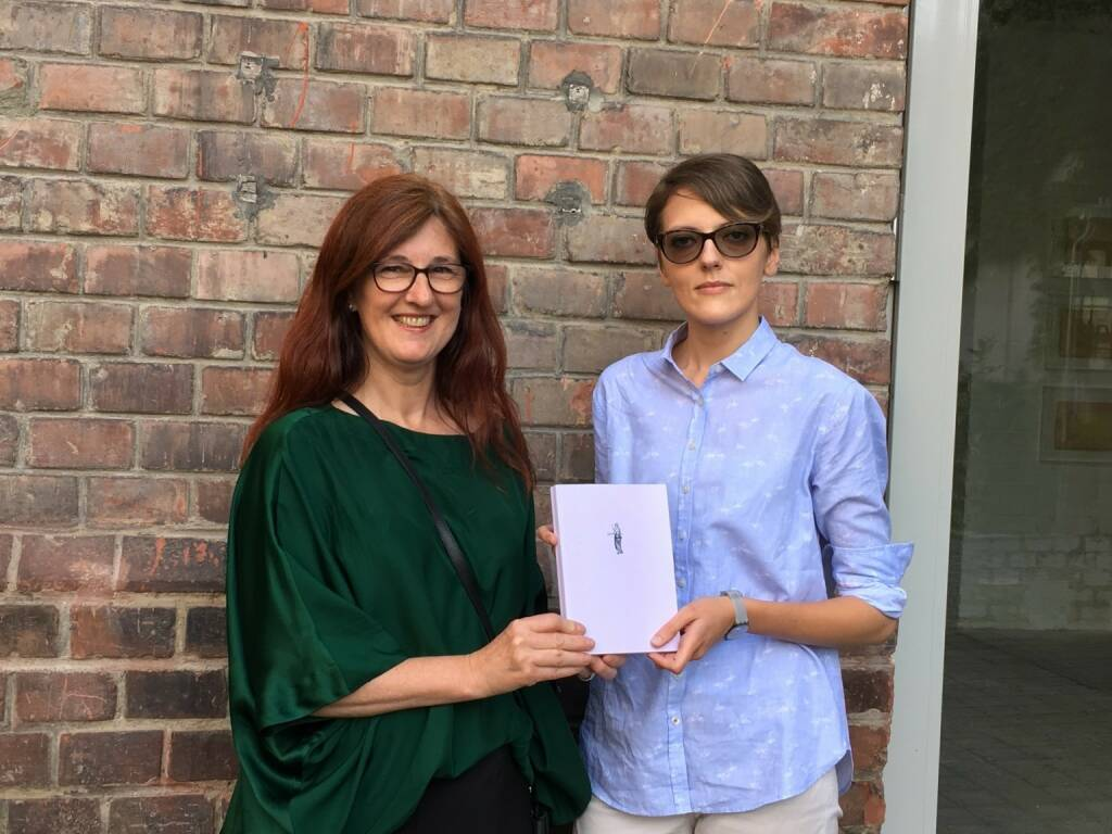 Regina Maria Anzenberger, the dummy, Francesca Catastini, winner of 3rd ViennaPhotoBookReview (photo: Josef Chladek) (13.06.2016)