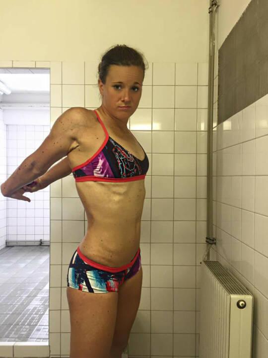 Tanja Stroschneider Dusche Aufwärmen