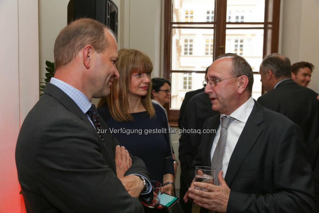 Börse-Vorstand Ludwig Nießen im Gespräch mit Andreas Gerstenmayer (CEO AT&S) und Elke Koch (Head of IR AT&S)  (Bild: Wiener Börse, Richard Tanzer) (21.06.2016)