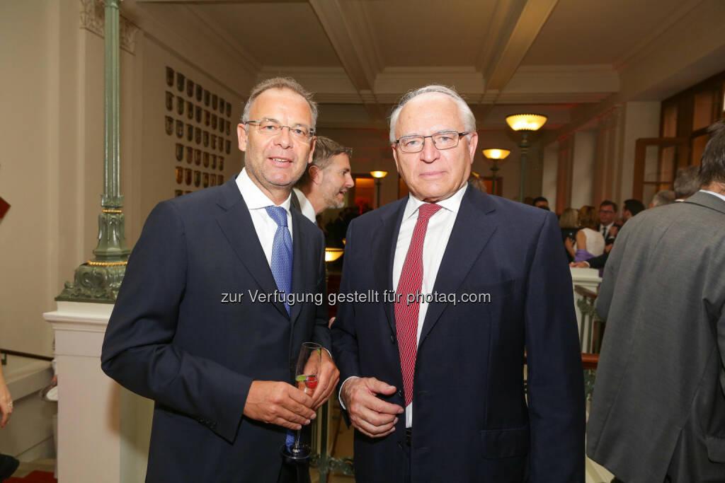 Wienerberger-CEO Heimo Scheuch mit Claus Raidl, Präsident OeNB (Bild: Wiener Börse, Richard Tanzer) (21.06.2016)
