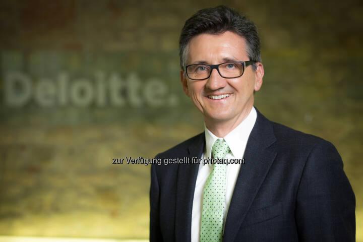 Bernhard Gröhs (Deloitte) : Deloitte Future Fund: 1 Million Euro und 10.000 Arbeitsstunden für soziale Projekte : Fotocredit: APA-Fotoservice/Hinterramskogler