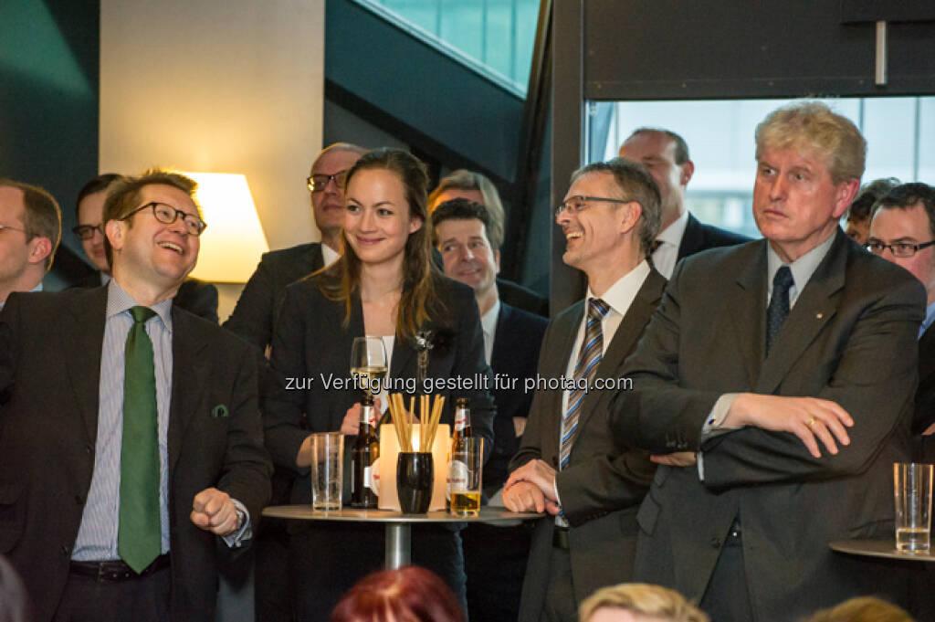 Lachen mit Ulrike Haidenthaller, mehr Bilder vom 27. FCC unter http://www.wienerborse.at/service/events/financial-community-club-16042013.html, © FCC (18.04.2013)