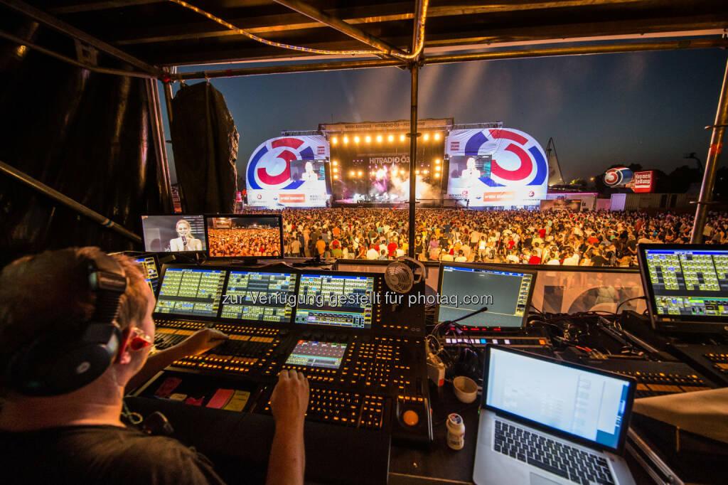 Auftakt zum 33. Donauinselfest : Sommerfeeling mit Milow, Samy Deluxe & DLX Band, Zoë & Co – insgesamt 1 Mio. Besucher am ersten Tag : Fotocredit: Donauinselfest/Müller (25.06.2016)