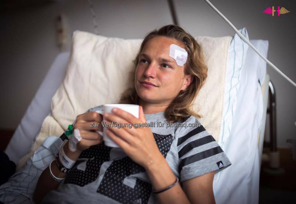 Anna Hahner, verletzt, Kopf, krank, Spital, Krankenhaus, recover, Wunde, &copy; <a href=