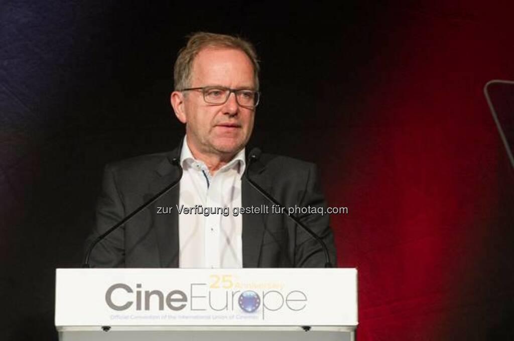 """Christian Langhammer (Cineplexx Eigentümer) : Auszeichnung mit dem """"International Exhibitor of the Year Award"""" am 23. Juni als erster österreichischer Kinobetreiber im Rahmen der CineEurope in Barcelona : Fotocredit: image./Tanja van Rooden, © Aussendung (26.06.2016)"""